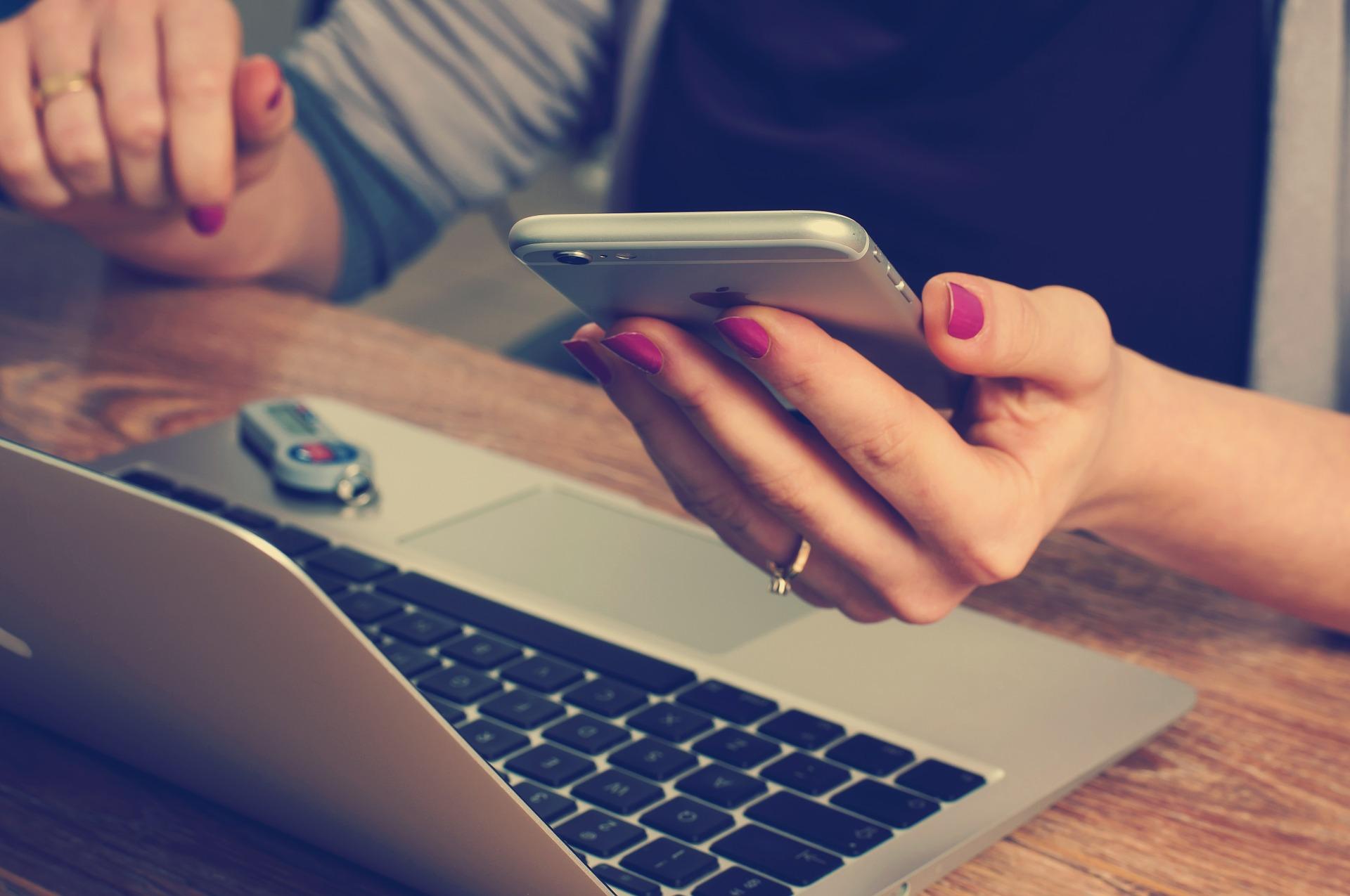 スマホ対応の格安ホームページを制作するためにかかる費用とは?